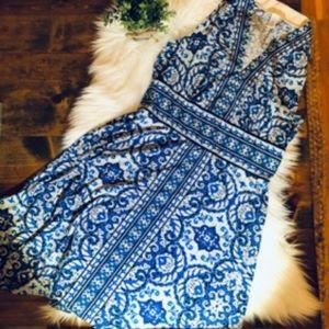 EUC London Times Sleeveless Blue Paisley Dress